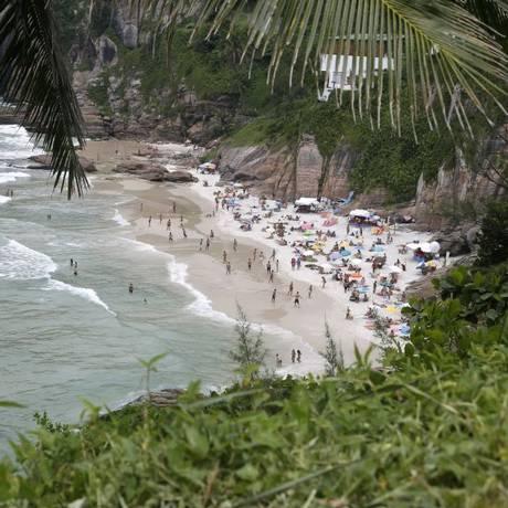 Joatinga. A pequena praia, no Joá, costuma lotar nos dias ensolarados Foto: Fábio Rossi / fabio rossi/2-2-2016