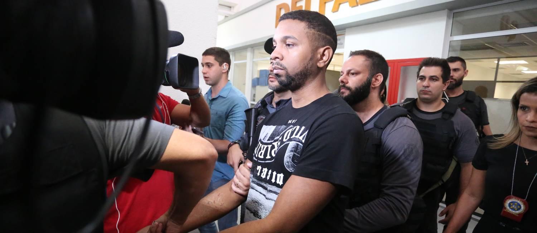 Rogério 157m um dos bandidos mais procurados do Rio de Janeiro, foi preso na comunidade do Arará, na Zona Norte do Rio Foto: Fabiano Rocha / Agência O Globo