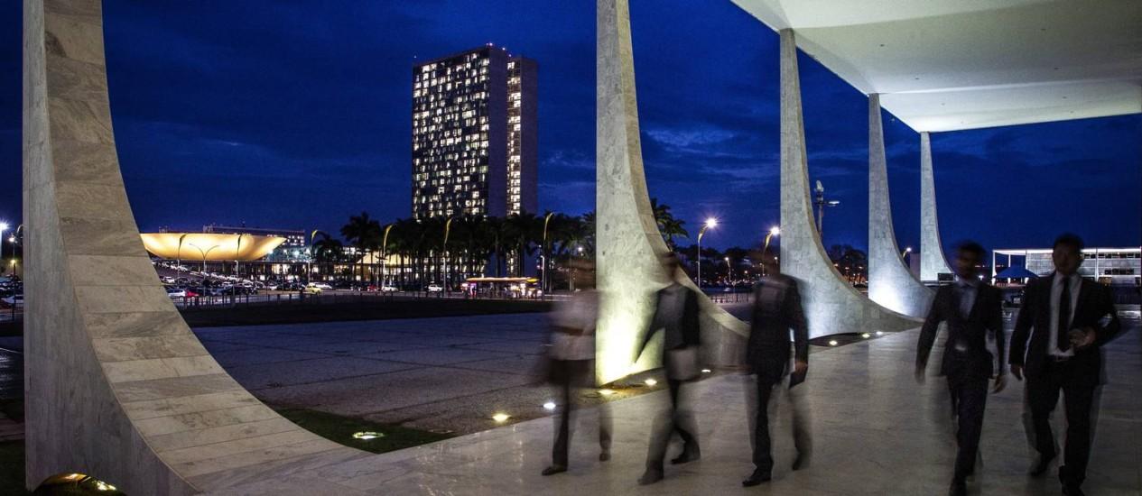 Em Brasília, relação entre os três Poderes seria alterada com aprovação de proposta articulada por Michel Temer: não haveria mais vice-presidente; um primeiro-ministro comandaria a máquina federal e programa de governo Foto: André Coelho
