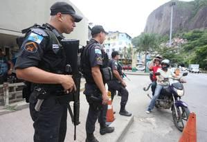 Rocinha tem reforço no policiamento Foto: Fabiano Rocha / Fabiano Rocha