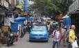 Um carro da PM na Favela da Rocinha, após confrontos depois da prisão de Rogério 157