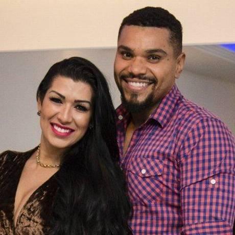 Cantor Naldo é acusado de agredir a mulher, Moranguinho Foto: Reprodução
