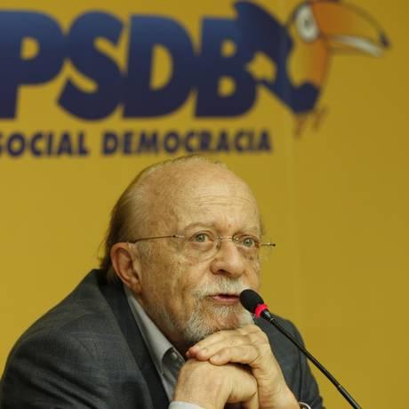 O presidente interino do PSDB, Aberto Goldman Foto: Michel Filho/Agência O Globo/06-12-2017