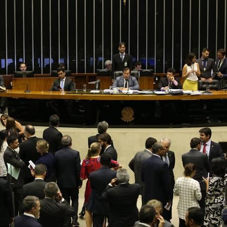 Sessão no plenário da da Câmara dos Deputados Foto: Ailton de Freitas/Agência O Globo/06-12-2017