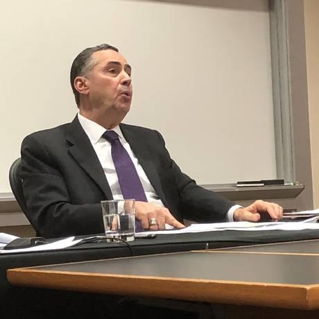 "Ministro Luís Roberto Barroso abre a conferência ""Estado de direito na América Latina"", na Universidade Stanford, nos Estados Unidos Foto: Guilherme Amado"