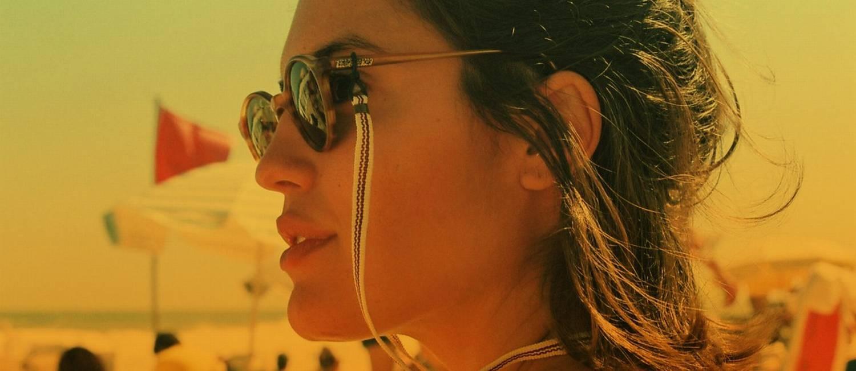 Cordinhas nos óculos: tendência da vez Foto: Divulgação