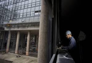 O Palácio Gustavo Capanema, edifício do antigo Ministério da Educação e Cultura (MEC), marco da arquitetura moderna mundial, está em obras desde 2014 Foto: Márcia Foletto / Agência O Globo