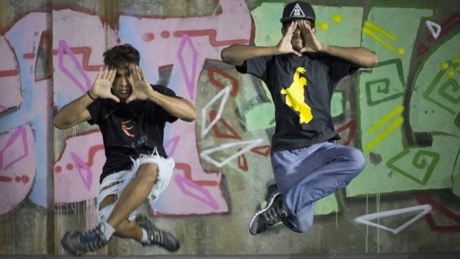 Dança. Alunos de Hip Hop do Vidançar, no Complexo do Alemão: em 2009, eram 12 . Hoje, quase 200 participam e podem aprender também balé clássico Foto: Julio Cesar Guimarães