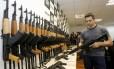 Carga oculta. Em junho, foram apreendidos 60 fuzis escondidos em aquecedores de piscina no Aeroporto do Galeão