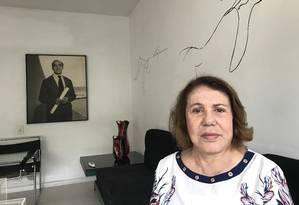 Vera Lúcia, a viúva de Niemeyer, no apartamento que ele lhe deixou em testamento: herdeiros querem metade do imóvel, em Ipanema, que foi da primeira esposa do patriarca Foto: Arnaldo Bloch