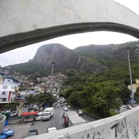 Rocinha vista da passarela Foto: Pablo Jacob / Agência O Globo