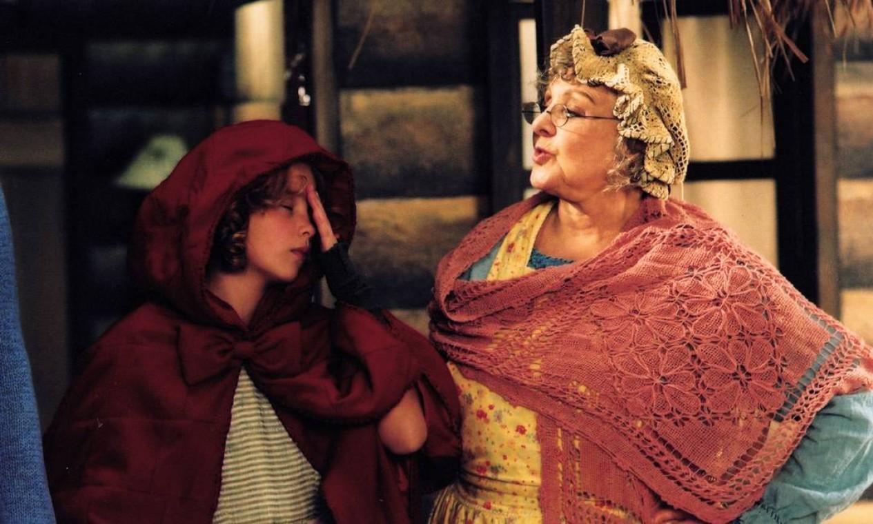 """Eva também participou de filmes, como """"Xuxa em Abracadabra"""", de 2003. Na foto, aparece ao lado de Debby Lagranha. Foto: Zeca Guimarães / Divulgação"""