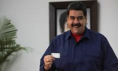 Presidente venezuelano, Nicolás Maduro, vota nas eleições municipais, em Caracas Foto: HANDOUT / REUTERS
