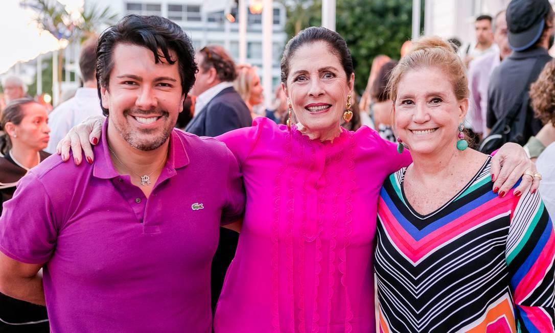 André Ramos, Regina Marcondes Ferraz e Madeleine Saade Foto: Bruno Ryfer / www.brunoryfer.com