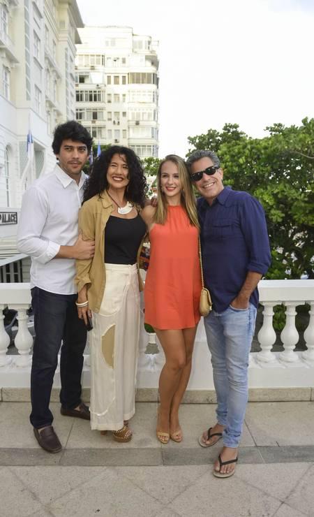 Alex Pires, Bianca Teixeira, Larissa Contijo e Luís Calainho Foto: Fabio Cordeiro