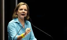 A senadora Gleisi Hoffmann (PT- PR) discursa no plenário do Senado Foto: Jorge William/Agência O Globo/07-12-2017