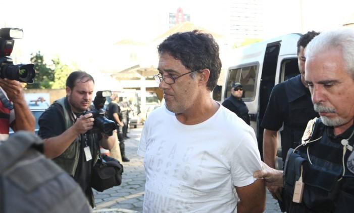 O ex-secretario-geral do PT Silvio Pereira na ocasião em que foi preso na 27ª fase da Operação Lava Jato batizada de Operação Carbono 14 Foto: Geraldo Bubniak / Agência O Globo
