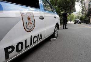 Carro da PM parou devido a problemas mecânicos em dezembro de 2017 Foto: Domingos Peixoto / Agência O Globo