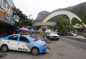 Patrulhamento reforçado no acesso à Rocinha Foto: Pablo Jacob / Agência O Globo