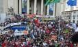 Servidores do estado fazem protesto contra o governo e suas medidas econômicas