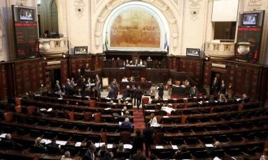 Alerj aprova orçamento do Governo do Estado para 2018 Foto: Domingos Peixoto / Agência O Globo