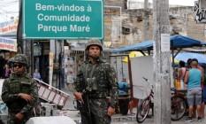 Operação na Maré conta com 800 militares do Exército Foto: Marcos de Paula / Agência O Globo