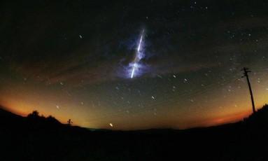 Imagem captada pela Nasa durante uma chuva de meteoros em 2001 Foto: NASA