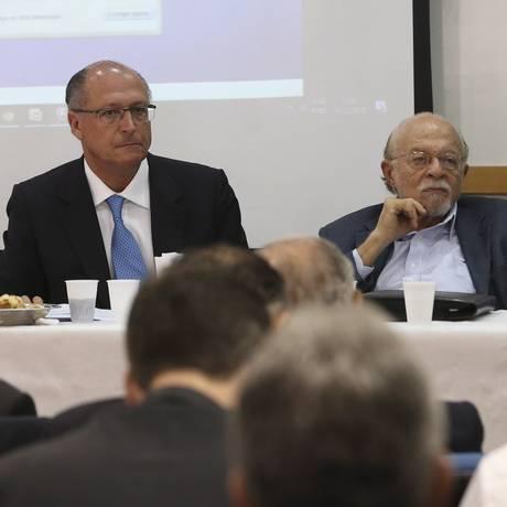 Geraldo Alckmin, Alberto Goldman e Tasso Jereissati na Executiva do PSDB Foto: Ailton Freitas/Agência O Globo