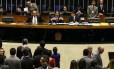 Congresso derruba veto de Temer e impõe limite para autofinanciamento de candidatos