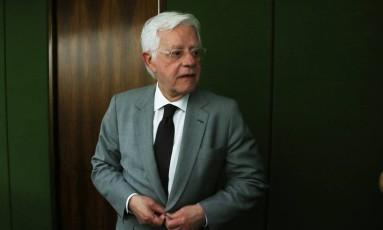 O ministro Moreira Franco, da Secretaria-Geral da Presidência da República, após reunião do PMDB Foto: Givaldo Barbosa/Agência O Globo/21-11-2017