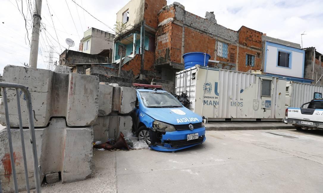 Equipamentos para uso de policiais lotados em UPPs são precários Foto: Pablo Jacob / Agência O Globo