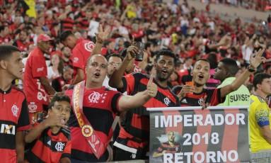 Torcida do Flamengo confiante no retorno de Adriano Imperador Foto: Alexandre Cassiano