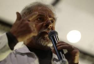 Lula em congresso dos catadores, em Brasília Foto: Jorge William / Agência O Globo