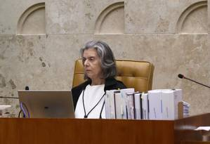 A procuradora-geral da República, Raquel Dodge, e a ministra Cármen Lúcia, em sessão do STF Foto: Ailton de Freitas / Ailton de Freitas/Agência O Globo/13-12-2017