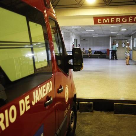 Baleados no Engenho Novo foram levados para o Hospital Salgado Filho Foto: MARCOS DE PAULA / Agência O Globo