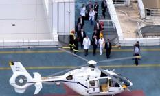 O presidente Michel Temer deixa o Hospital Sírio Libanês, em São Paulo, de helicóptero Foto: Reprodução/TV Globo