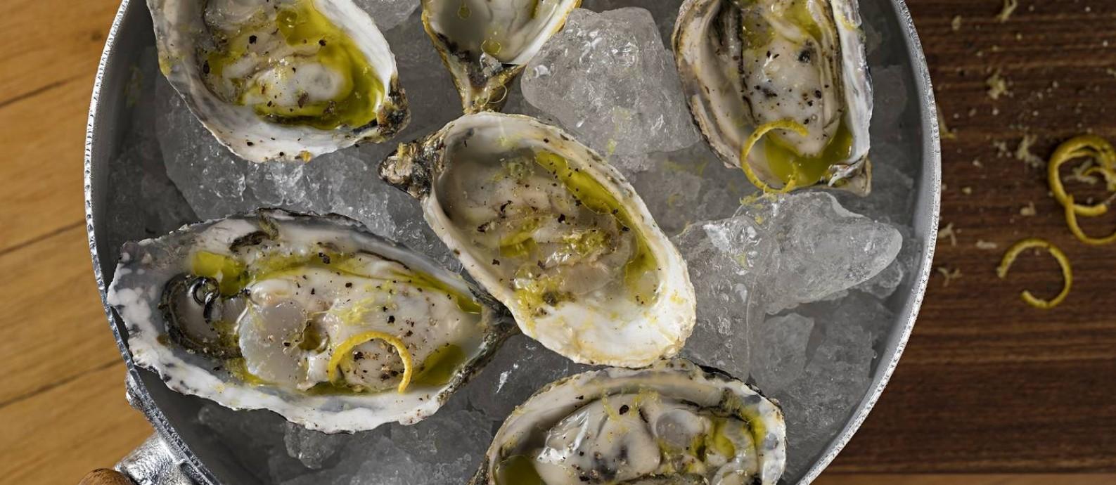 Panelinha de ostras do Bazzar Foto: Divulgação/Rodrigo Azevedo
