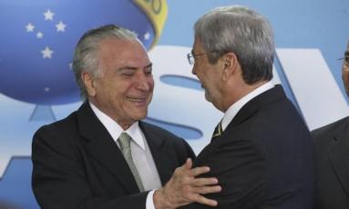 Michel Temer despede de Antonio Imbassahy na posse de Carlos Marun na Secretaria de Governo Foto: Ailton Freitas / Agência O Globo