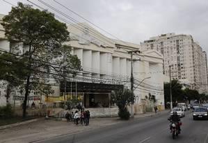 Fachada do Hospital Antonio Pedro: Enel diz que tenta negociar dívida desde 2015 Foto: Mônica Imbuzeiro/04-07-2017 / Agência O Globo