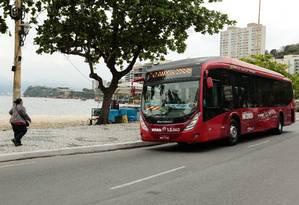Ônibus do consórcio Transnit em Icaraí: resultado de revisão tarifária será divulgado em janeiro Foto: Brenno Carvalho / Agência O Globo