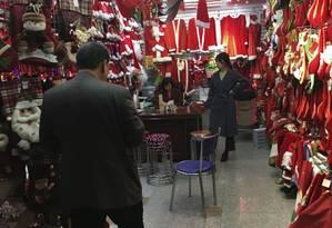 O mercado de Yiwu, na China, de onde saem produtos em todas as línguas, para todos os países do mundo Foto: Vivian Oswald