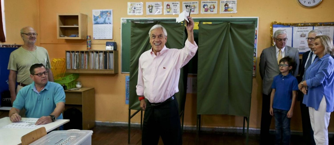 Sebastián Piñera vota no segundo turno do Chile Foto: Esteban Felix / AP