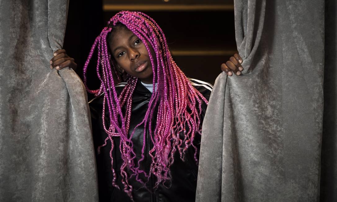 MC Soffia, de 13 anos, cantou na abertura dos Jogos Olímpicos e realiza encontros de jovens para promover a identidade negra Foto: / Hermes de Paula