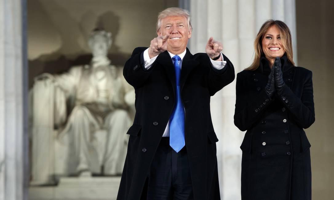Melania e Donald Trump em Washington, dias depois da posse dele como presidente dos Estados Unidos Foto: Evan Vucci / AP