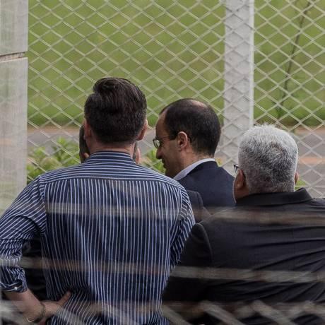 Marcelo Odebrecht chega ao aeroporto Bacacheri após sair da prisão em Curitiba Foto: Eduardo Anizelli/Folhapress/ Agência O Globo