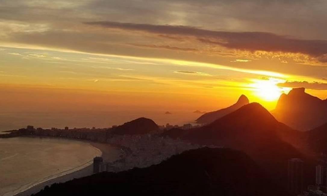 O pôr do sol visto do Morro da Urca Foto: @cfigueiredojr / Instagram