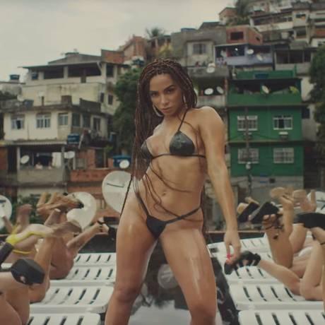 Anitta no clipe 'Vai Malandra' Foto: Reprodução / Agência O Globo