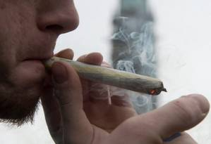 Usuário de maconha: especialistas apontam problemas para o controle do consumo de drogas Foto: Reprodução