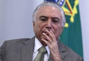 O presidente Michel Temer participa da assinatura de contratos Foto: Jorge William / Agência O Globo