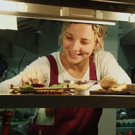 A chef Roberta Ciasca, do Miam Miam, diz que salpicão de peru é uma sugestão leve e deliciosa para a data Foto: Divulgação